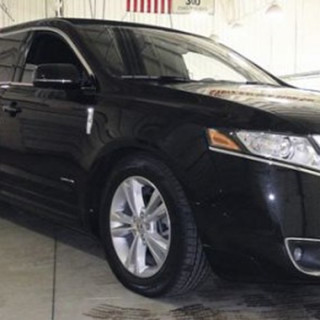 Lincoln Mkt Stretch Limousine 8- Passengers